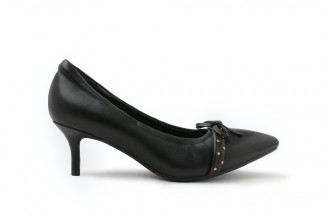 917-1 Black Studded Ribbon Pointed Leather Heels