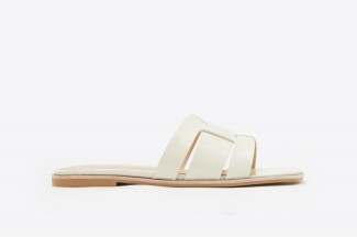 A396-206 Beige Interlocked Cage Glossy Leather Slip Ons